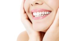 De ce femeile isi doresc sa aiba mereu un zambet perfect si apeleaza la implanturi dentare?