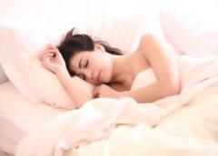 Ce sa  manaci seara pentru a dormi mai bine